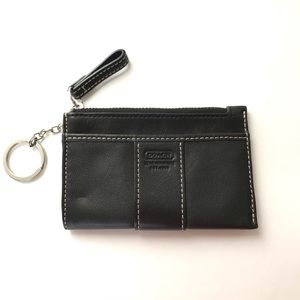 EUC Coach Black Leather Zip Pouch w/ Keychain